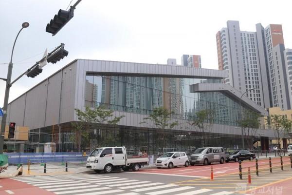 개장 앞둔 남사스포츠센터.JPG