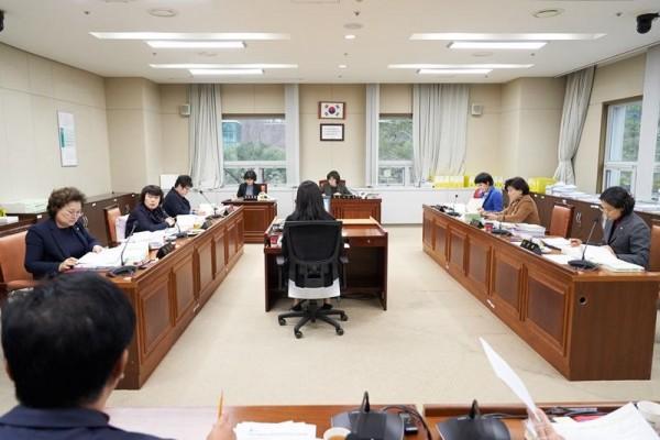 20181127 제229회 제2차 정례회 행감-문화복지위원회(1일차).jpg