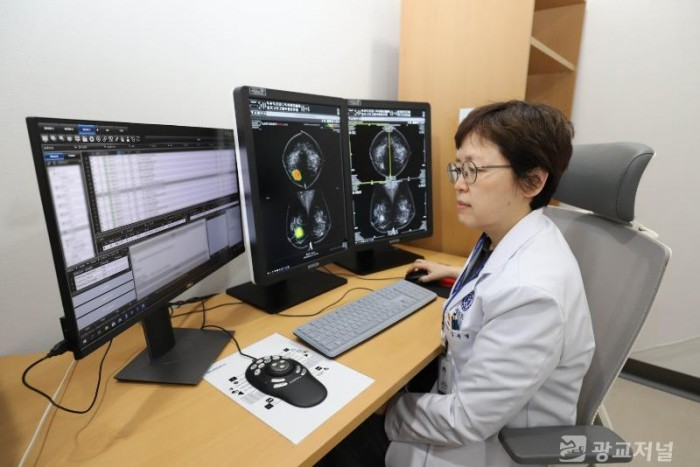 [사진1] 연세대 의대 용인세브란스병원, 루닛과 'AI 의료기술 연구 확대 위한 업무협약' 체결.jpg