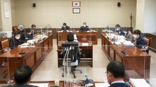 20201201 제249회 제2차 정례회-행감 6일차(3)-도시건설위원회.jpg