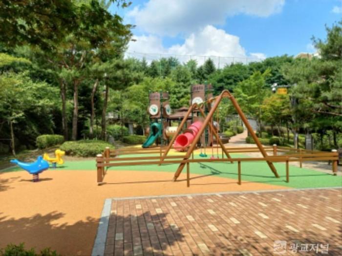 210702_어린이공원 4곳 바닥, 놀이시설물 교체_사진(3) 바지산어린이공원.jpg