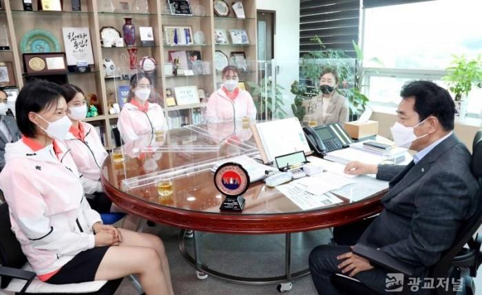 30일 용인시청볼링팀 격려.jpg