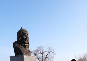 이우현 위원장,카자하스탄 크질오르다 홍범도 장군묘역 참배