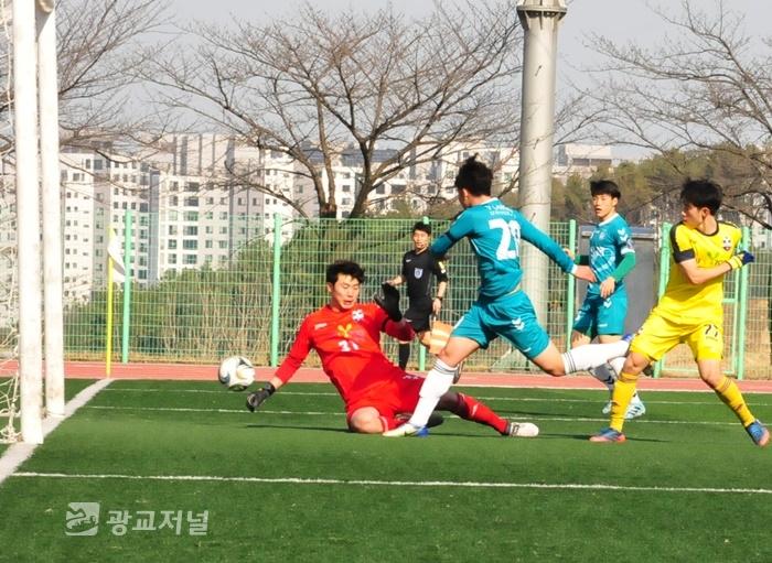 [스포츠] 대학축구의 강호 용인대···평창FC  7:1로 대파